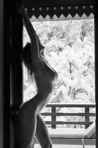 Genevieve Morton Nude Photos Leaked!