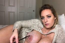 LlittleMissCassie1 Nude ASMR Brushing Her Body Video