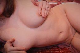 AftynRose ASMR Undressing For Bed Video