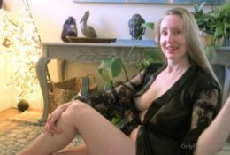 Rose Kelly Head Massage Leaked Video